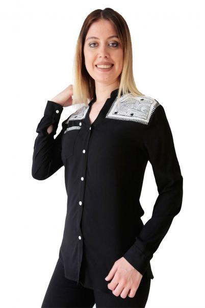 Bayan Gömlek Cepli Nakışli