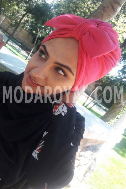 Bayan Şal Boneli kırmızı Fiyonklu