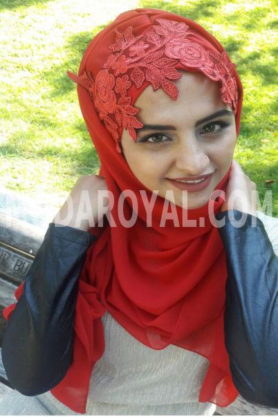 Bayan Tesettür Boneli İşlemeli Kırmızı Şal