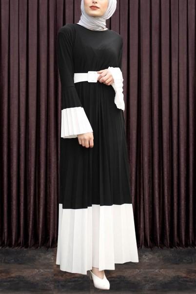 Pileli Tesettür Elbise Kemerli Siyah
